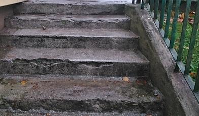 Przychodnia na Kochanowskiego ma koszmarne schody
